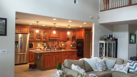 kitchen and family room combo